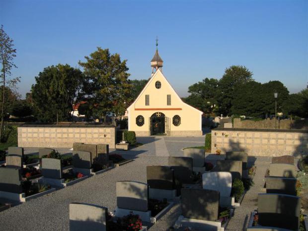 2 Urnenwände aus Brannenburger Nagelfluh geschliffen